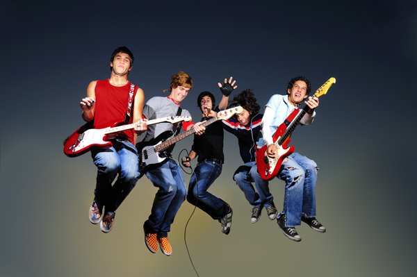 Rock band jumping, Myndset Digital Marketing